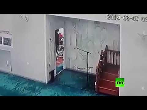 شاهد لصوص يسرقون مسجدًا في الجزائر