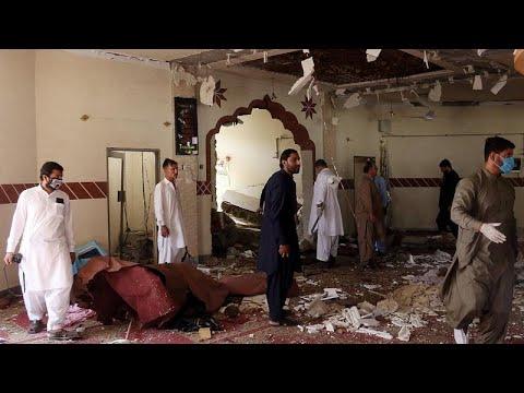 مقتل شقيق زعيم طالبان الأفغانية و3 آخرين داخل أحد المساجد في باكستان