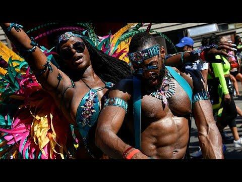 لندن تحتفي بموروثها الكاريبي في كرنفال نوتينغ هيل