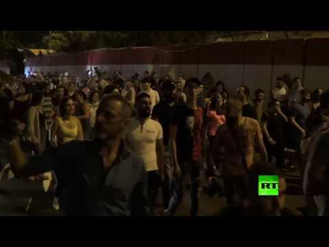 تظاهرات في العاصمة اللبنانية وأنباء عن إطلاق نار