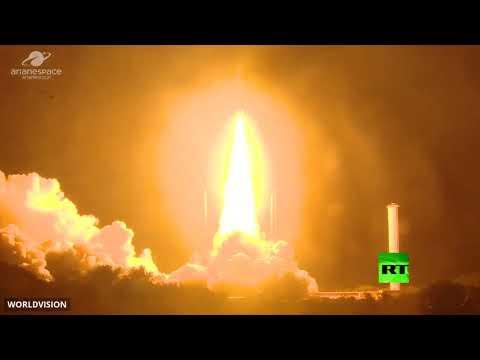 شاهد لحظة إطلاق القمر الصناعي المصري الأول للاتصالات طيبة1