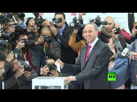 شاهد مرشحا الرئاسة الجزائرية عبد القادر بن قرينة وعز الدين ميهوبي يدليان بـصوتيهما في الانتخابات