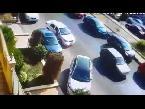 اليمن اليوم- شاهد لحظة سرقة سيارة في وضح النهار داخل التجمع الخامس