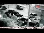 شاهد لحظة اختطاف نجل الإعلامية نوليا مصطفى من سيارتها